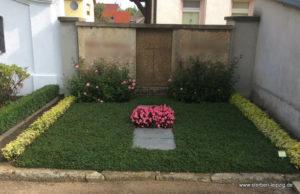 Grabgestaltung 1 Jahr später