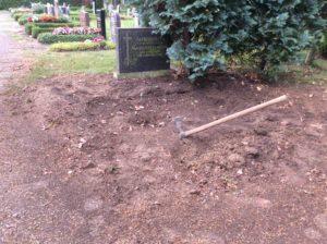 Grabgestaltung Leipzig Beispiele - Die Grabeinebnung