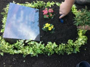 Grabgestaltung Beispiel - Der Urnenhügel