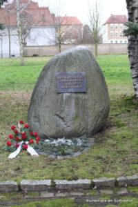 Gedenkstein der Opfer des zweiten Weltkrieges - Friedhof Holzhausen
