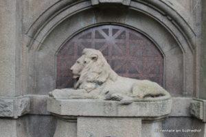 Steinerner Löwe - Grabstätte Pinkert - Nordfriedhof