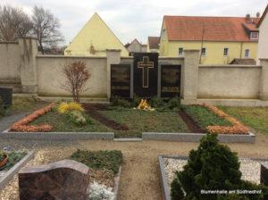 Friedhof Threna Grabgestaltung
