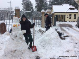 Praktikum mit Schnee - Schneefiguren