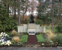 Leipzig Südfriedhof 1. Urnenbeisetzung am 8. Dezember 2018 im Grabfeld der Paul-Benndorf-Gesellschaft zu Leipzig e.V.
